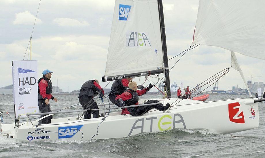 De mange timer i båden har fået boathandling i top. Foto: Sejlsportsligaen.dk