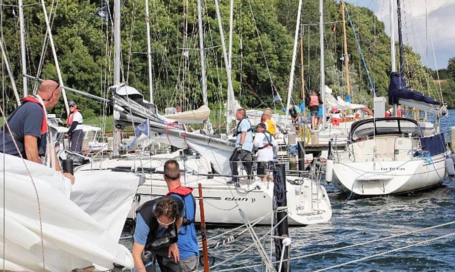 Deltagerne i kapsejladsen Øhavet Rundt 2013 gør sig klar. Foto: Thurø Sejlklub