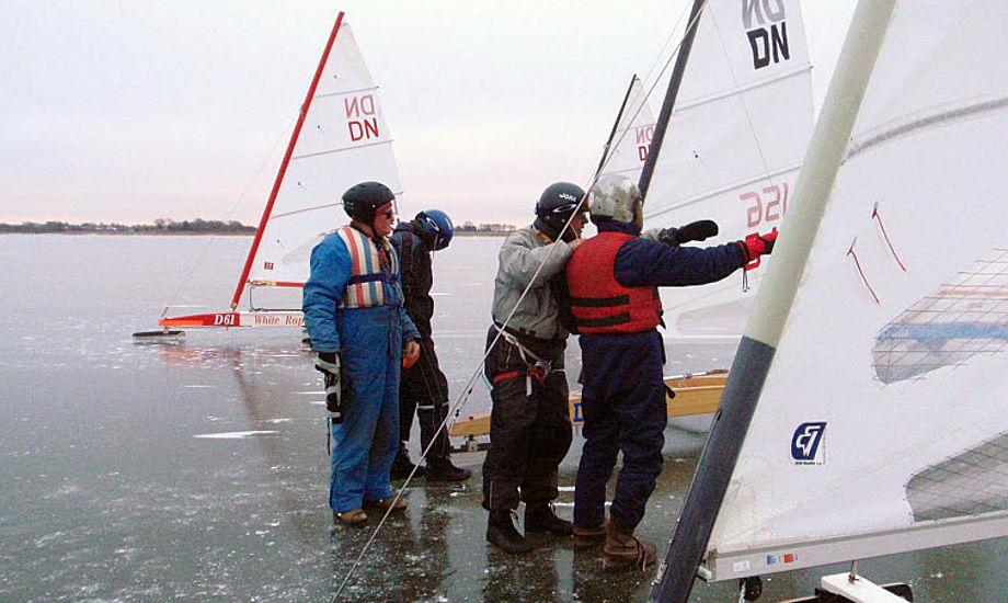 DN-isbåd på Arresø lørdag 2. januar 2010.