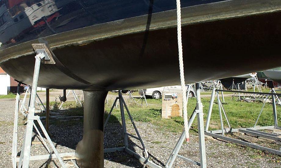 Ved optagningen var båden fortsat glat uden begroning, den er ikke vasket endnu. Foto: Mads H. Pedersen