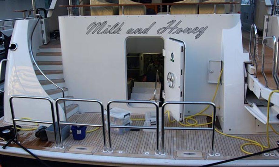 Mælk og honning hedder super yachten i Monaco Foto: Troels Lykke