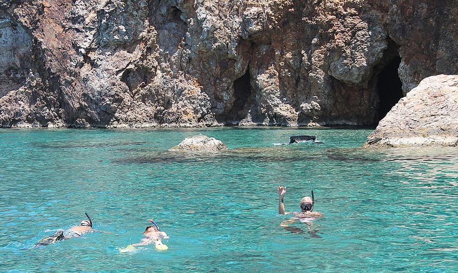 På De Britiske Jomfruøer blev der dykket i grotter og snorklet i det klareste vand. Foto: Cille Rosentoft.