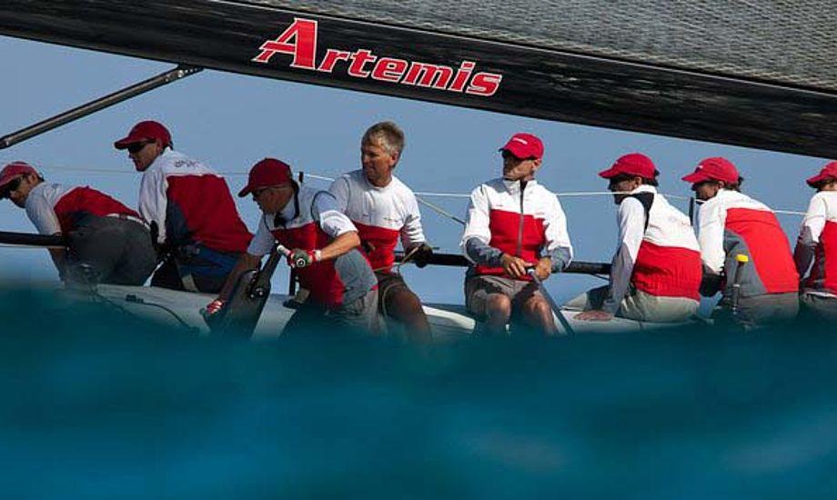 Artemis Racing er temmelig aktiv i diverse bådklasser og nu også i America's Cup. BMW Oracles Russell Coutts og Torbjörn Törnqvist har før sejlet sammen.