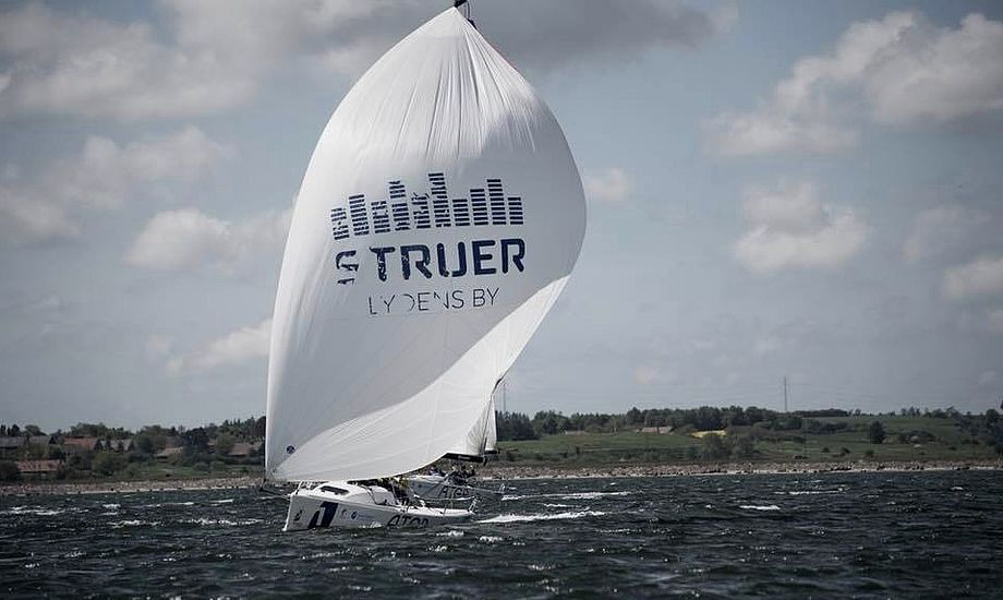 100 mil i Fjorden nyder stor opbakning blandt sejlere og erhvervslivet indenfor sejlsporten, som har bidraget med flere præmier. Foto: 100 mil i Fjorden