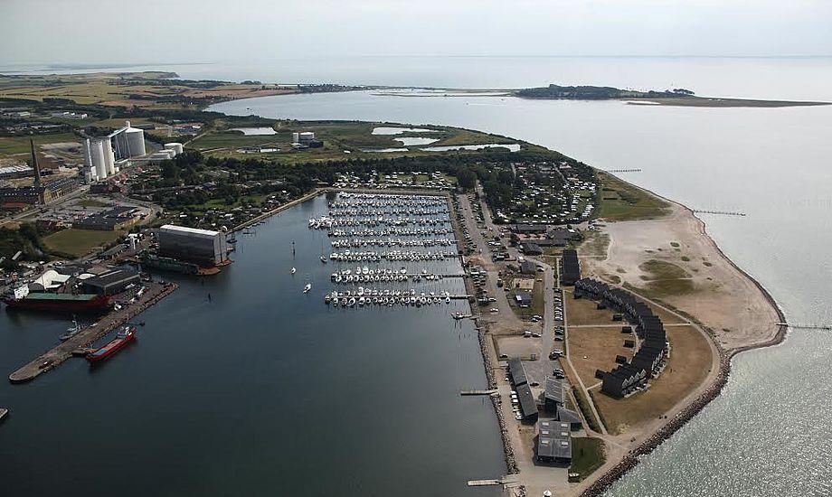 Den ideelle beliggenhed lige ud til Lillebælt sikrer, at du hurtigt kommer ud i åbent beskyttet farvand, siger man i Assens Marina.