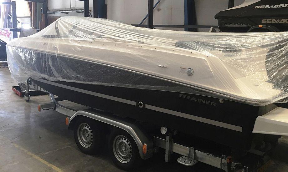 Coveret beskytter let båden, når den står opbevaret på landjorden. Foto: PR-foto