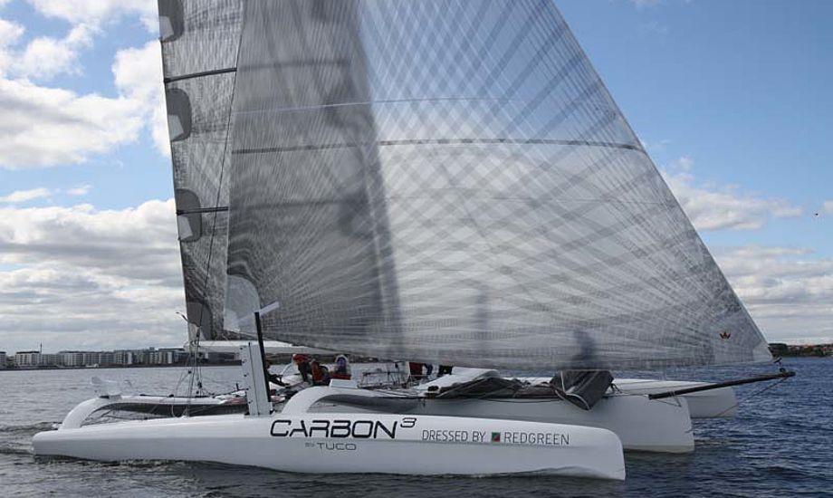 Carbon3 ses her under VIP-sejlads mod Extreme Challenger, der i år var i DR Aftenshowet med Jes Gram-Hansen. Foto: Troels Lykke