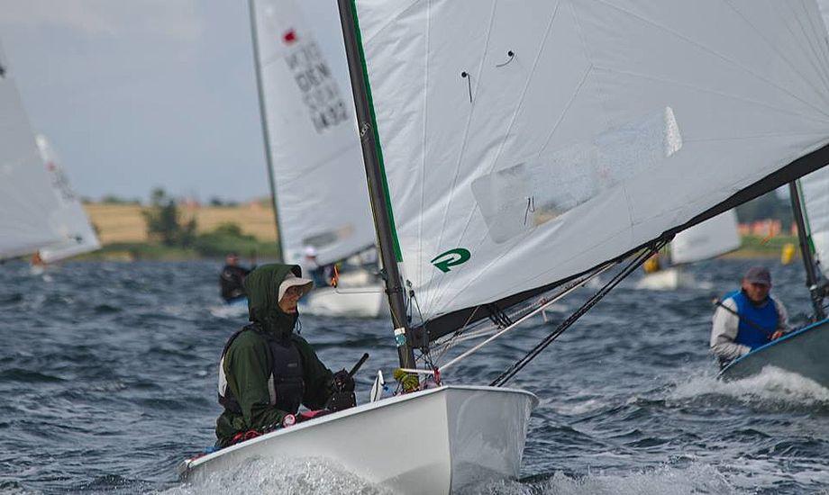 Lars Johan sejler meget systematisk, selv når han forlader havnen. Foto: Anders Lund