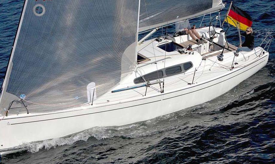 Dehler 35 udstilles. Den købes nu fremover i Aabenraa af den erfarne bådforhandler Henrik Reese og sønnen Kasper.