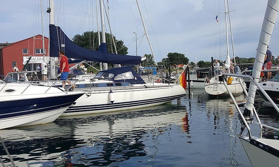 Tæt på Ballen Havn på Samsø faldt sejleren over bord og døde senere på Skejby Sygehus i Aarhus. Foto: Troels Lykke
