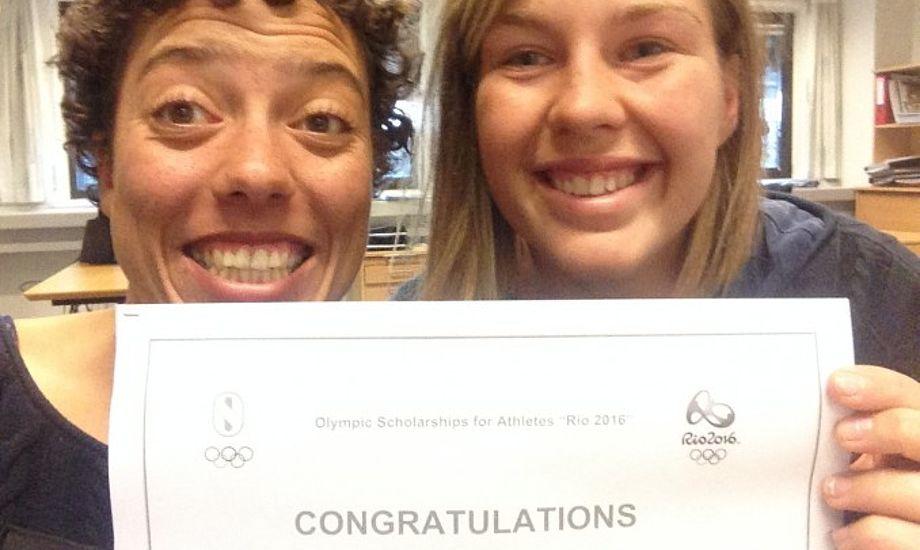 Ida Marie Baad, tv. og Marie Thusgaard tog i går til Idrættens-Hus for at modtage Scholarship fra IOC.