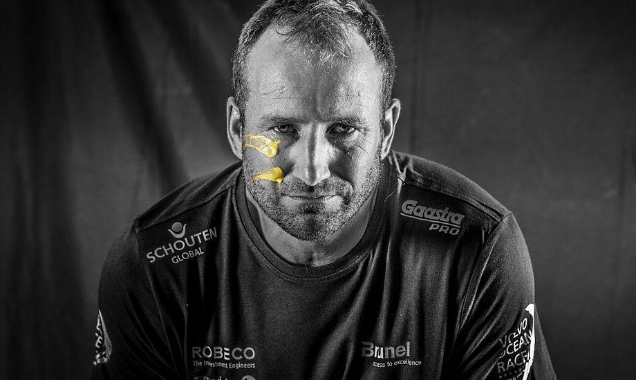 Jens Dolmer plejer at være bådkaptajn. Han kan som tidligere bondemand fikse hydraulik og løse alt praktisk om bord. Foto: Brunel
