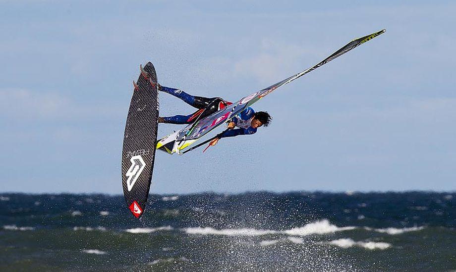 Victor Fernandez i fin stil. Foto: Cold Hawaii