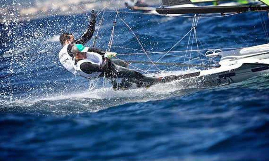 Warrer og Lang i deres 49er på Mallorca.Foto: Jesus Renedo