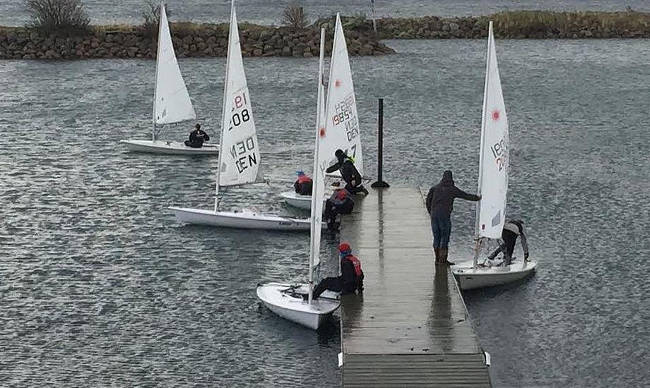 23 Laser-sejlere deltog i weekendens træningslejr i Egå. Foto: Paul Topsøe-Jensen