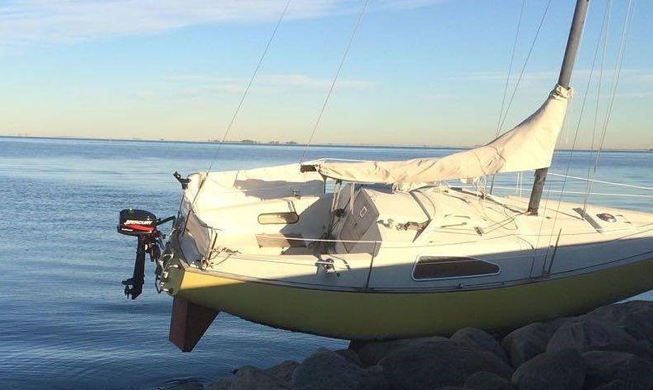 Motoren gik ud i store bølger, forklarer ejeren af denne Solus 24. Foto: Ole Fibæk-Mikkelsen