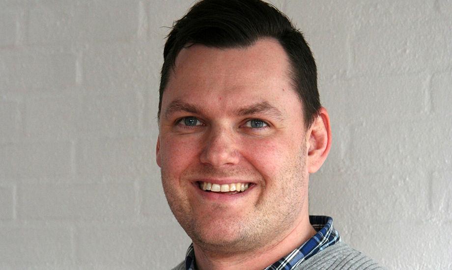 Jeppe Dahl Jørgensen har en kandidatgrad i medievidenskab samt en Bachelor (BA) i informationsvidenskab.