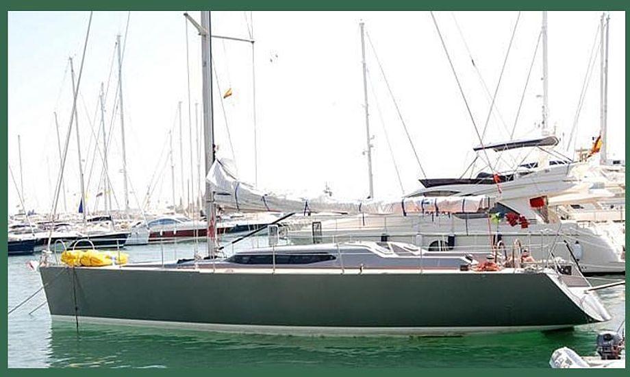 Båden var en 50 fods Race2Win. Arkivfoto.