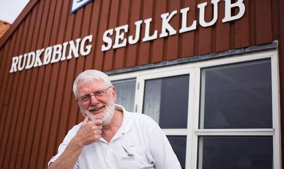 Æresmedlem Finn Birger Hansen tager nu sin tredje periode som formand i Rudkøbing Sejlklub. Foto: Søren Stidsholt Nielsen, Søsiden, Fyns Amts Avis