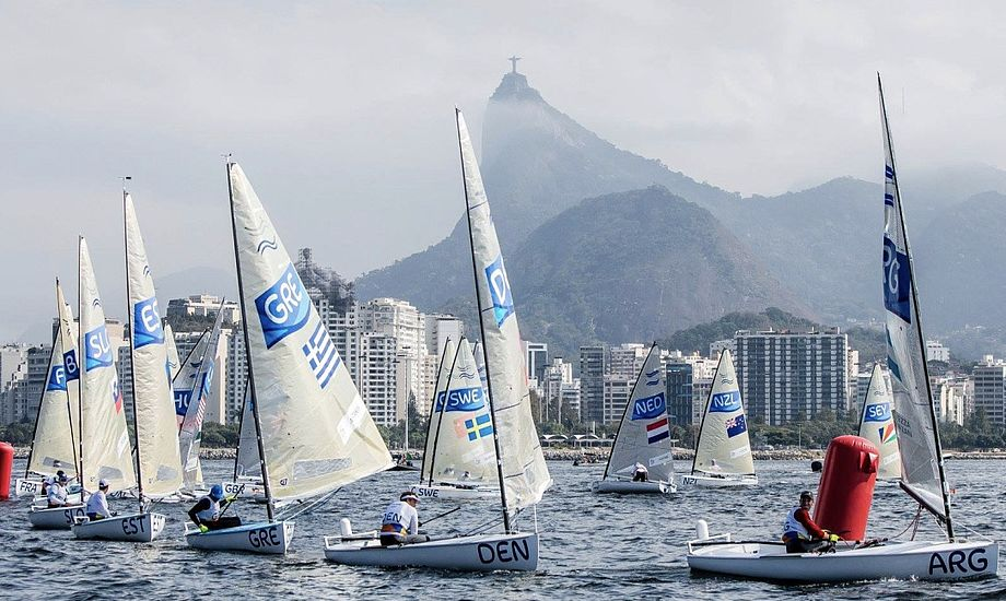 Finnjollen, her ved OL i Rio, er én af de klasser, der tilsyneladende overlever ændringerne i OL-programmet. Foto: Sailing Energy