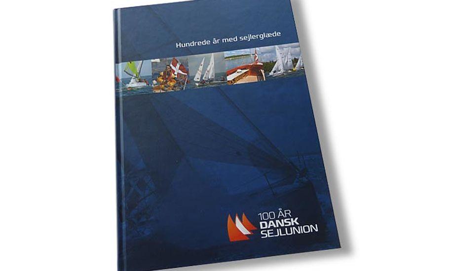 Mange sejlere og klubber har bidraget med gode historier i jubilæumsbogen.
