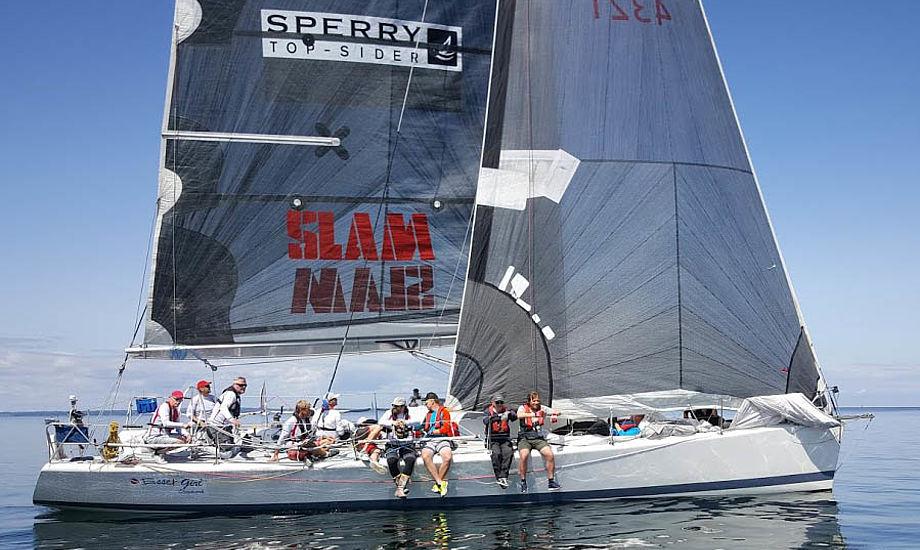 Jan Olesen og hans tre medejere har stadig underskud, selvom sejlerne betaler mange tusinde kroner årligt. Her ses holdet i starten i Palby Fyn Cup 2016. Foto: Troels Lykke