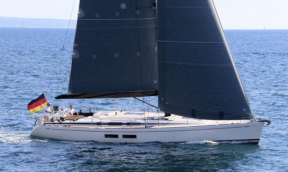 Drømmer man om at sejle hjem i en Swan 54, skal den store pengepung med til Flensborg. Båden koster nemlig hele 10,3 millioner. Foto: PR-foto