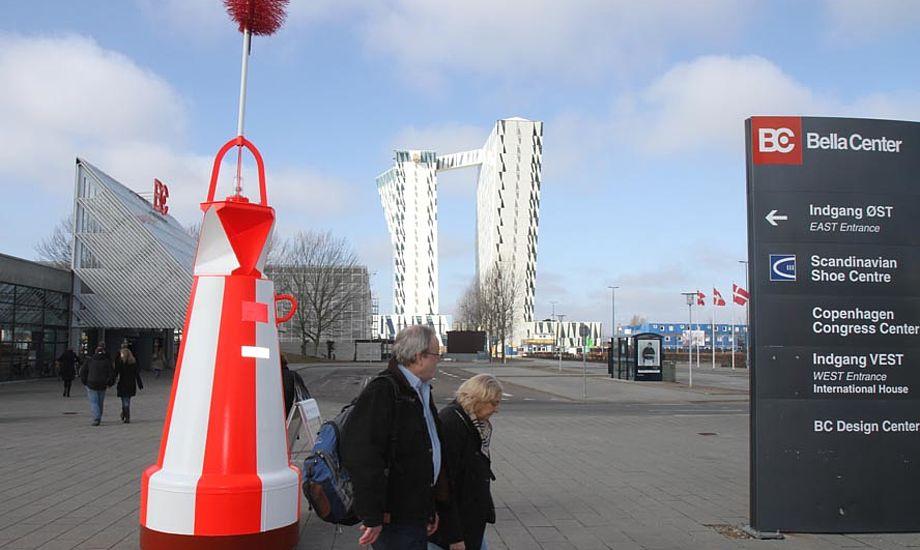 Både i Bella søndag 20. marts med nyt flot hotel i baggrunden. Foto: Troels Lykke