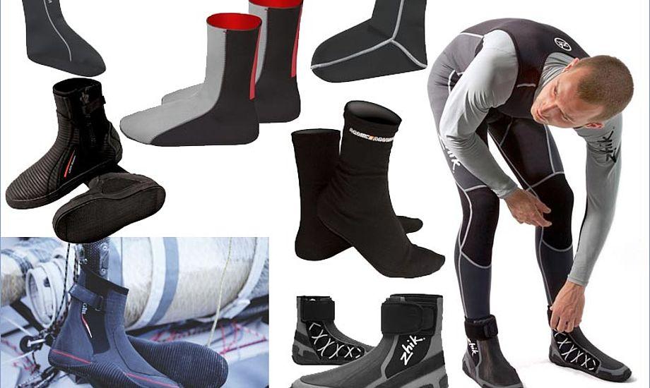 Der er både sokker til uden på tørdragten eller indeni.