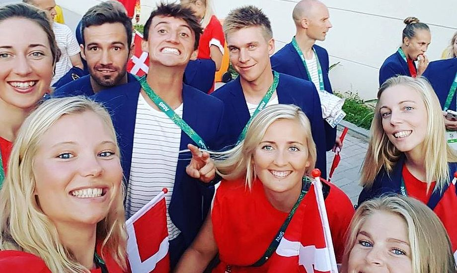Glade danske sejlere i Rio nat. Fra venstre ses Viborg, Rindom, Warrer, Fleischer, Hansen, Mai Hansen, Salskov-Iversen og Buhl. Foto: facebook