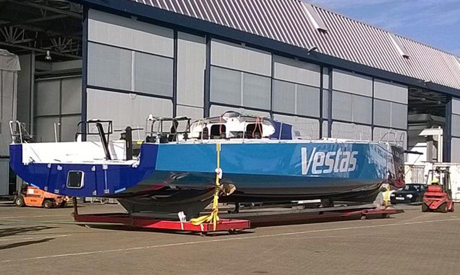 Den danske VO 65er ses her hos Green Marine i Sydengland, hvor Wibroe og Sehested er lige nu. Foto: Vestas