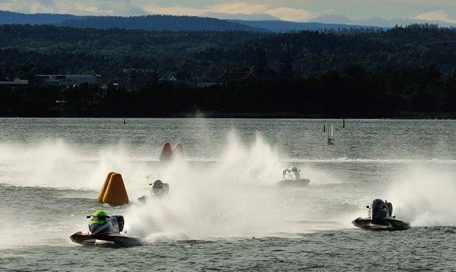 Til sommer kommer VM i Powerboat Formel 2 til Aalborg, hvor racerbådene skal køre på Limfjorden. Foto: Powerboat Denmark.