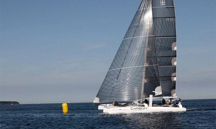 i 2012 kom Carbon3 med Bank og Gitz første i mål i trimaranen, mens første kølbåd i mål var en Farr 40 fra KDY med Chris Nørgaard som skipper. Foto: Carbon3
