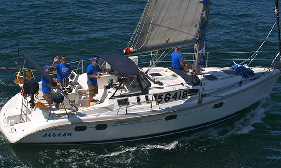 Ingen af de fire besætningsmedlemmer på Aegean bar redningsvest, fortæller US Coast Guard. Foto/newportbeach.patch.com, Susan Hoffman