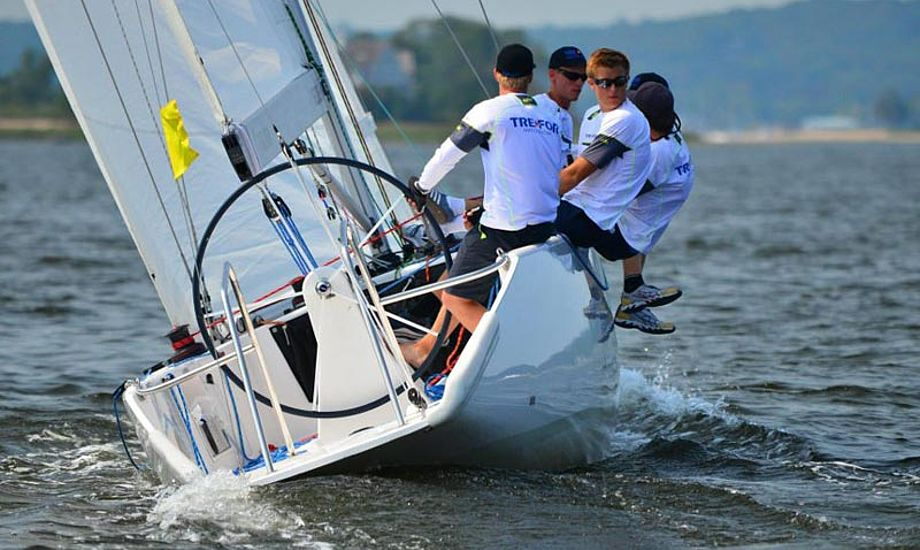 Peter Wibroe har mange års match race erfaring og har som skipper for sit eget hold bl.a. vundet EM. Foto: treformatchracing.com