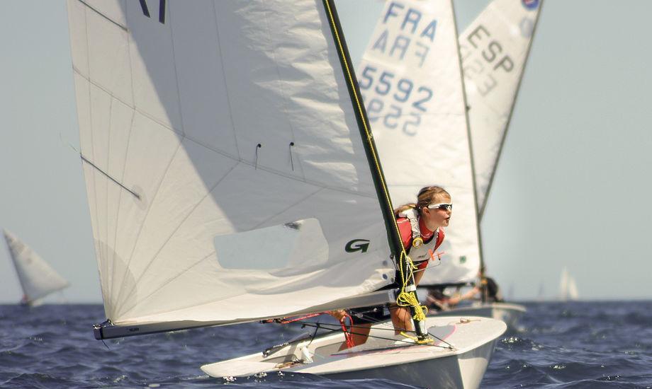 Cille Smedegaard kommer direkte fra Optimistjollen, men skal allerede til VM. Foto: Christian Rindom