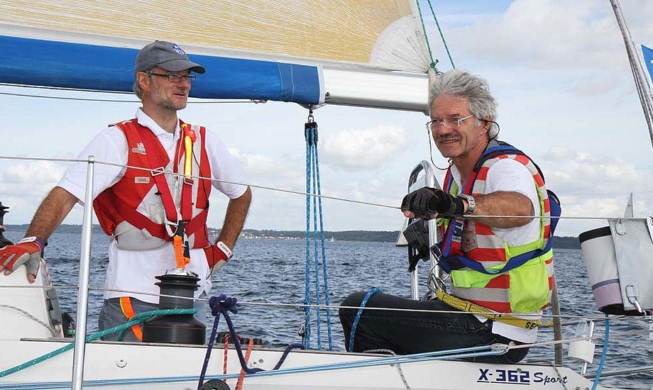 De to brødre fra Hellerup Sejlklub og KDY, har et rigtigt godt sammenhold, når de sejler. Allerede ved junior-DM i 606 tilbage i 1971, vandt brødrene