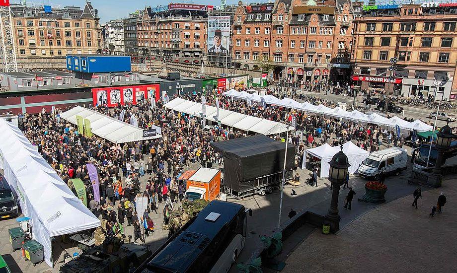 Bornholms indtog i Købehavn har nu ført til åbningen af en ø-ambassade i hovedstaden. Bornholm indtager i øvrigt på ny Rådhuspladsen i København lørdag 30. april 2016. Foto: Torben Ager