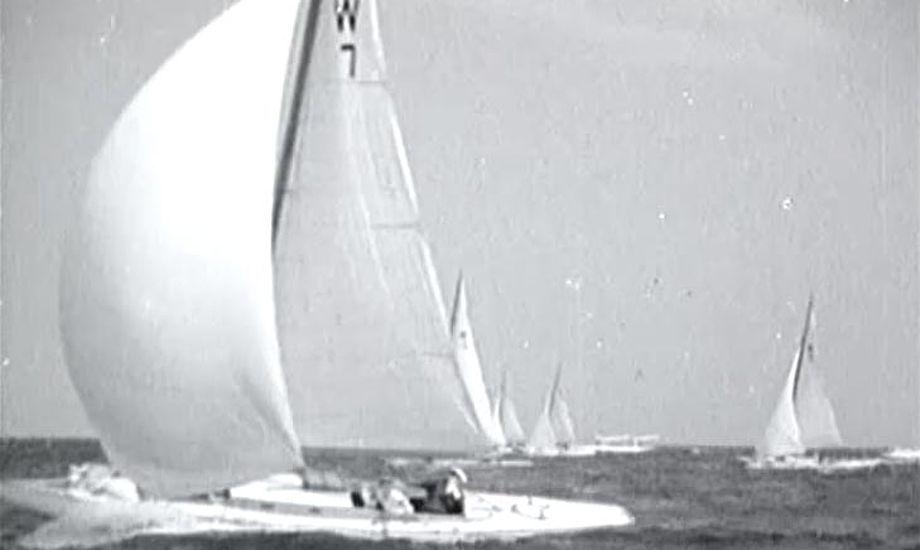 Øresundsugen anno 1937. Foto fra film, fotograf ukendt.