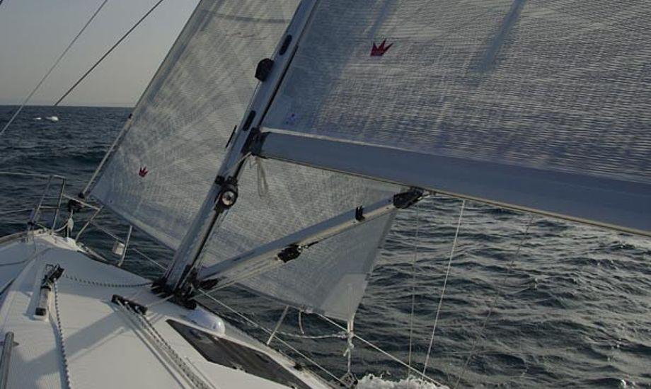Elvstrøm Sails på Bavaria 32 Cruiser i sydfrankrig testet af minbaad.dk