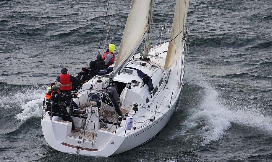 I skrivende stund lover Farvandsvæsenet fredag morgen 8-10m/s vind fra en sydlig retning, så der skal nok komme fart på. Foto: Troels Lykke