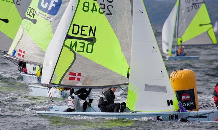 Sejler du Opti er der mulighed for at prøve 2-mands jolle som Fevaen. Foto: Mogens Hansen