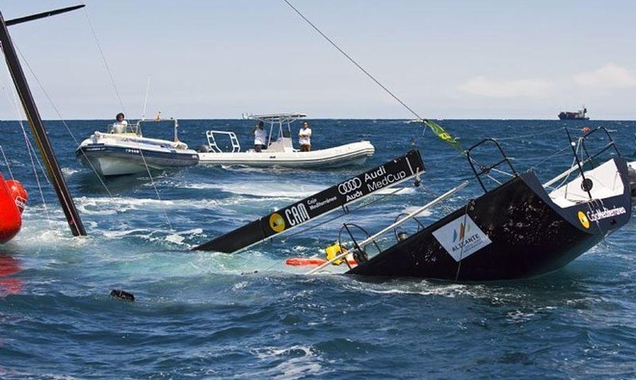 Sejlere under kapsejlads glemmer ofte at sejle med vest, viser afstemning på minbaad.dk. Foto: Rolex