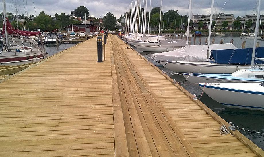 Ny bro midt i Skovshoved havn pynter, hvor de mange Knarr er flyttet til. Foto: Troels Lykke