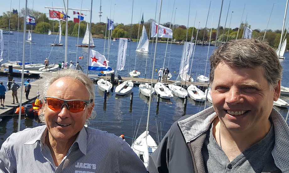 Frank Berg og Martin Hejlsberg smilte i dag. De fik nemlig 200 euro retur for deres startgebyr i Star-stævnet. Foto: Troels Lykke