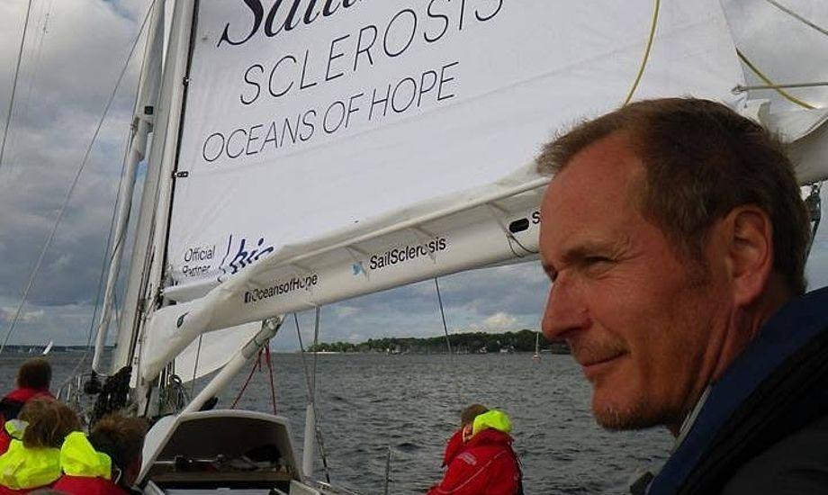 Her ses Mikkel Anthonisen, idémand og leder af projektet Oceans of Hope, der har sejlet jorden rundt i 2014 og 2015 med mennesker med sygdommen multipel sklerose(MS).