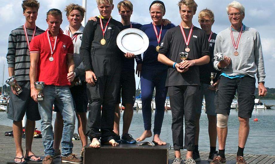 Zafiryadis-holdet i midten, mens Lier-hold står til venstre. Jørgen Ring er still going strong og lavede flot bronzeplacering.