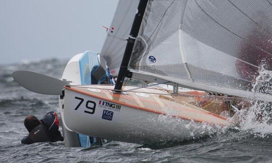 Finnjolle-sejler ved VM i Vallensbæk