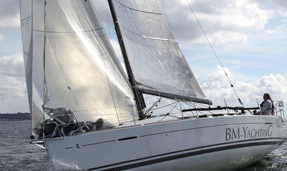 First 35eren sejlede med gennakeren Code 1 og kom først i mål og vandt også efter DH-regel, selvom Watski2star.dk skrev noget andet i resultatlisten. Båden blev sejlet af Mads Christensen og Peter Beck Mikkelsen. Foto: Per Heegaard/Heegaard-fotografi.dk