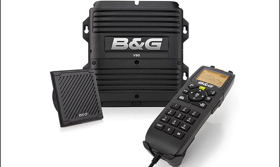 V90 VHF-radio overholder forskrifterne for klasse D og kan dermed anvendes globalt.